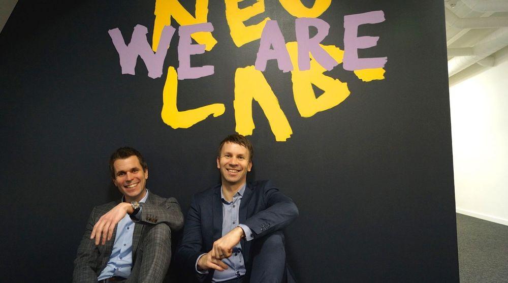 Knowit har beholdt god lønnsomhet trass stor aktivitet med oppkjøp og nyetableringer i Norge. Fra v. Knowit Norge-sjef Henrik Lie-Nielsen og daglig leder Kenneth Gvein i nyetableringen Neolab.