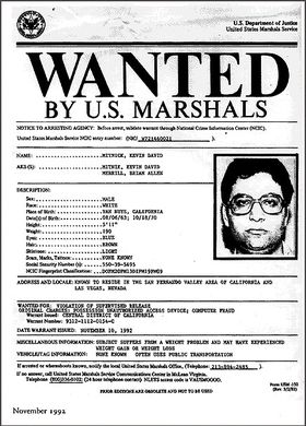 BERYKTET: Plakaten som gjorde Kevin Mitnick til en hackerlegende. FBI betegnet ham som «The most wanted computer criminal in United States».