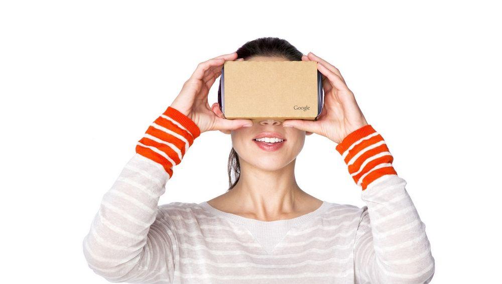 Nye Google Cardboard fungerer med større telefoner, inkludert iPhone, og koster fortsatt bare noen tiere.