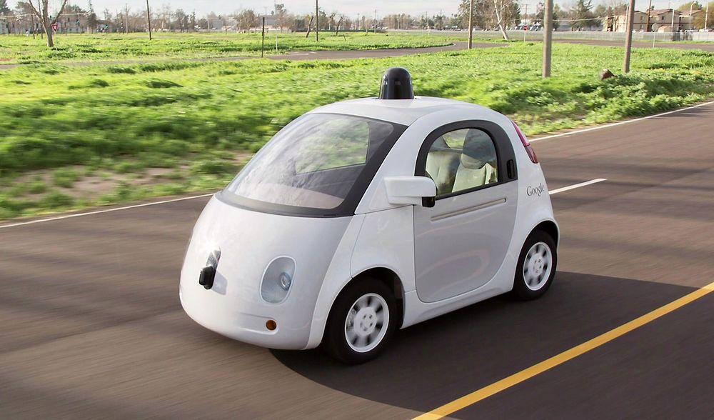 Sikkerhetsforsker hevder han kan lure selvkjørende biler med veldig enkle grep, og håper at produsentene følger med.