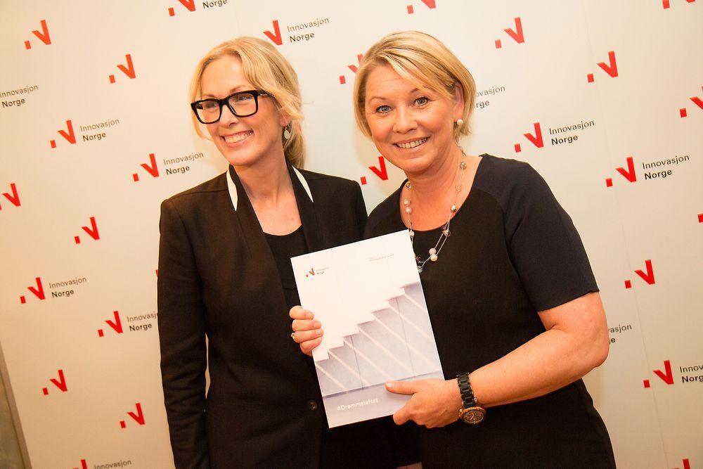 Drømmeløftet er nettopp det Innovasjon Norge trenger, skriver kronikkforfatterne. Bildet viser (fra v). Anita Krohn Traaseth da hun overrakte rapporten til næringsminister Monica Mæland i forrige uke.