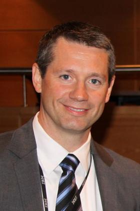 Arne Norheim overtar roret i IBM Norge etter Morten Thorkildsen (t.h.) som har hatt jobben siden mai 2003.