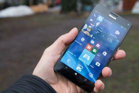 HPs nye mobil blir enda heftigere enn Microsofts Lumia 950 XL, her avbildet.