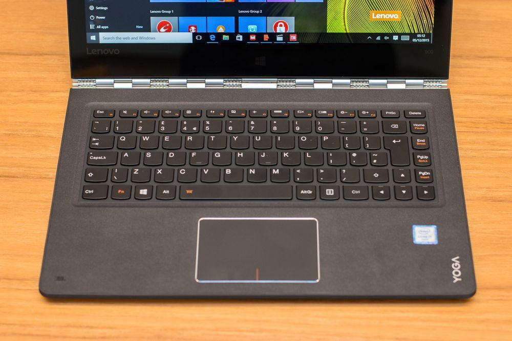Tastaturet har god demping, og nå er baklysene tilbake.