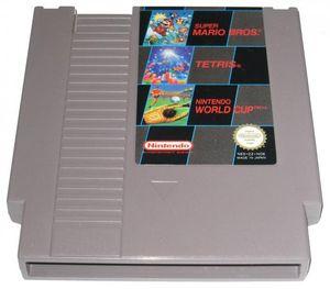Tre-i-en-kasett med Super Mario Bros., Tetris og Nintendo World Cup.