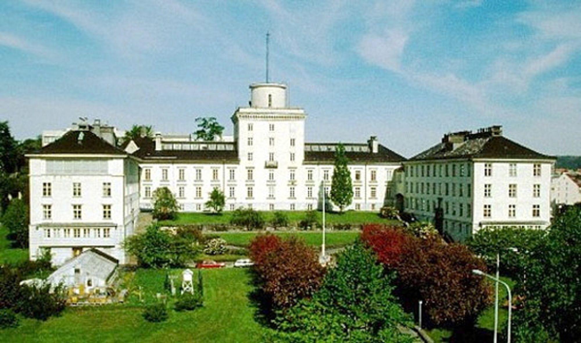 Universitetet i Bergen skal få oppdatert og moderne byggautomasjon der 90 bygg er samlet i ett system.