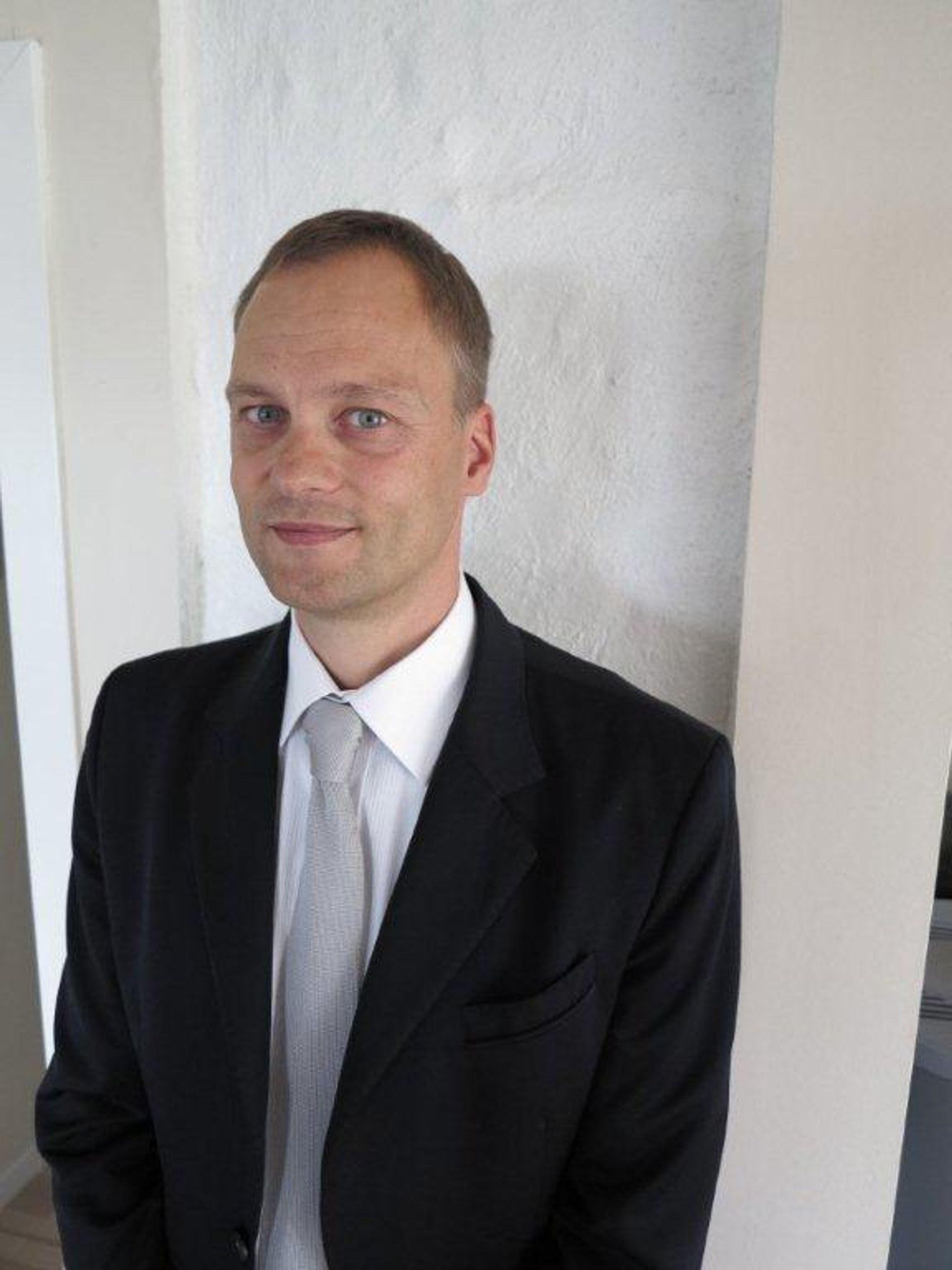 Lars Torstveit skal bygge opp en stor marine-, olje- og gassavdeling hos Schneider Electric Norge.