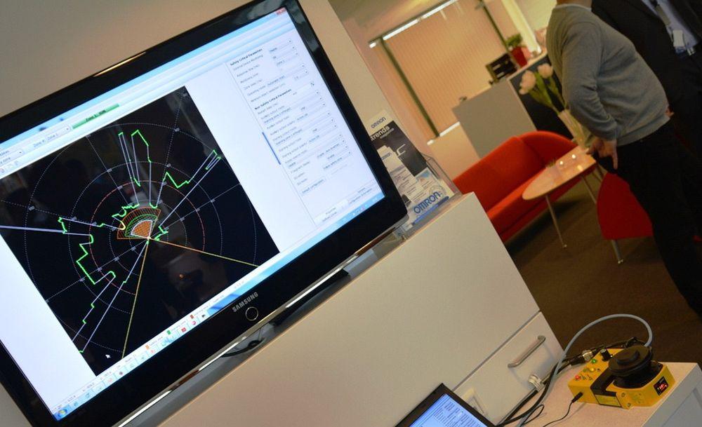Den lille sikkerhetsskanneren i gult nede til høyre, kan dekke store områder på en dynamisk og fleksibel måte, se eksempel på skjerm.