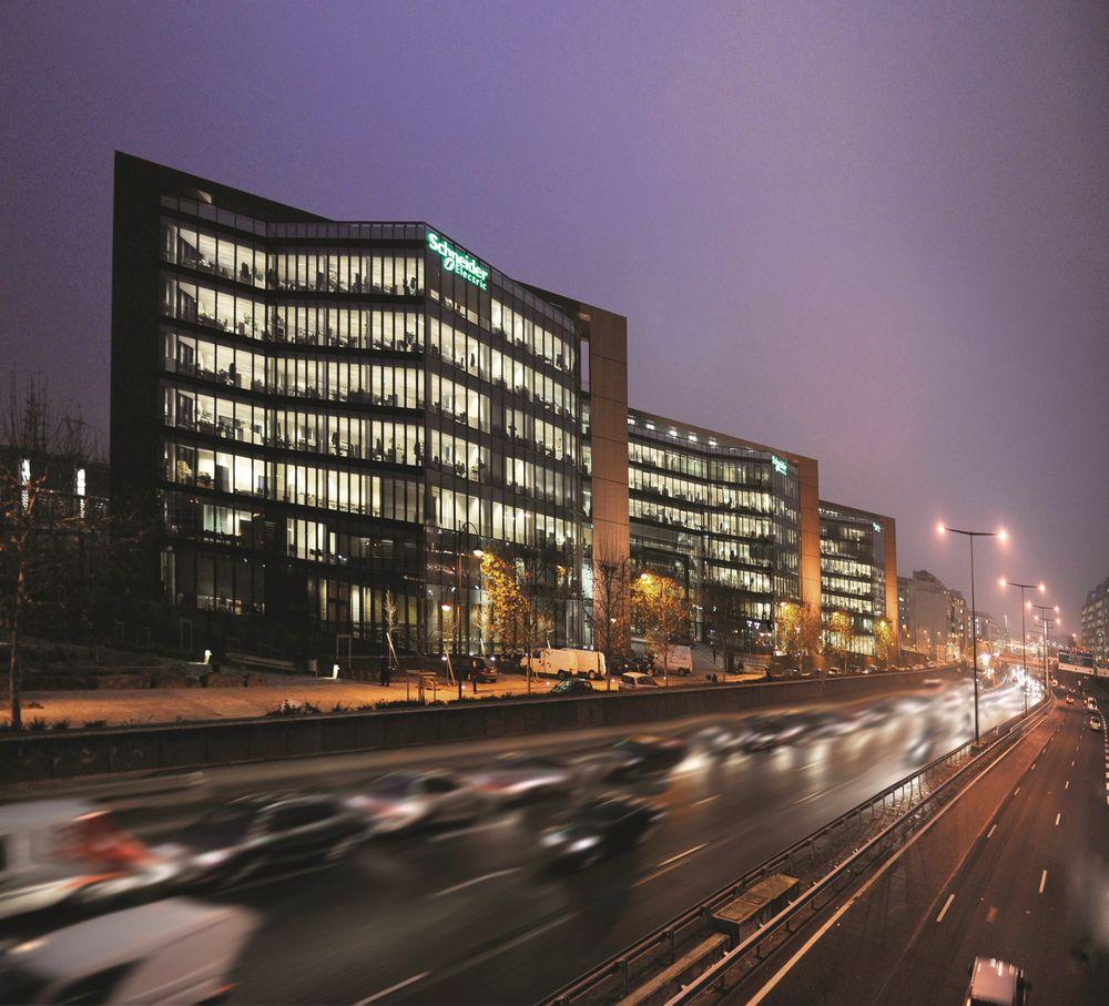 Schneider hovedkontor i Paris får snart kontroll over Invensys.
