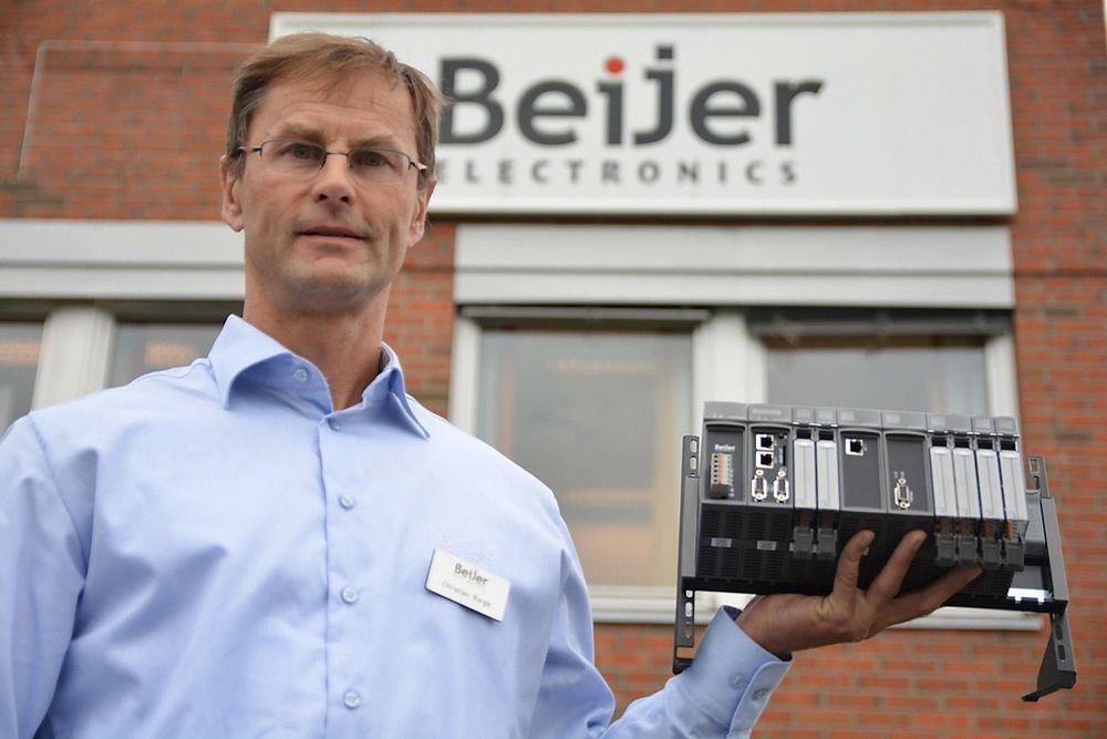 Christian Borge i Beijer med den første PLSen som bærer selskapets navn.