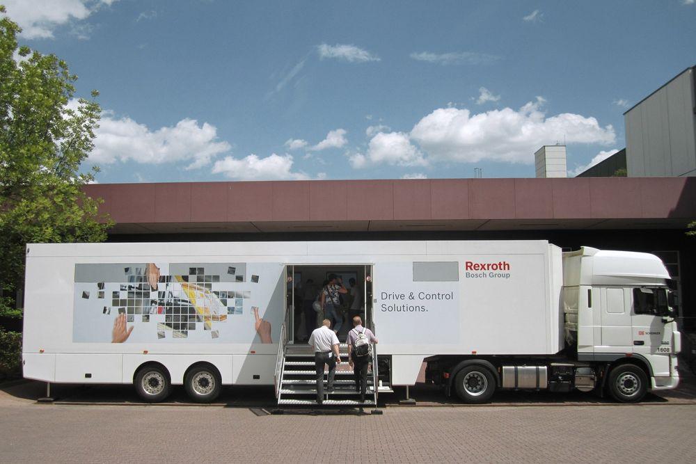 Busser ny teknologi: Bosch Rexroth er i gang med roadshow og drop-in-besøk.