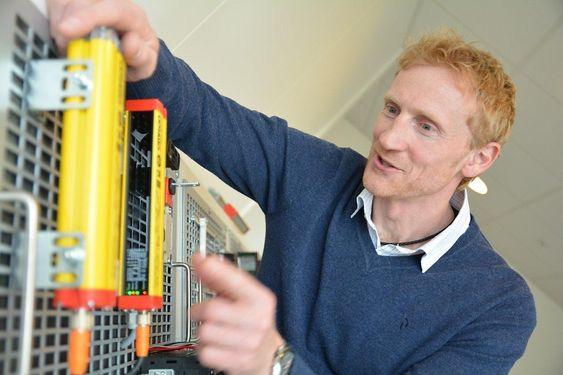 Geir Forsetlund oppfordrer produksjonsbedrifter til å legge mer vekt på maskinsikkerhet.