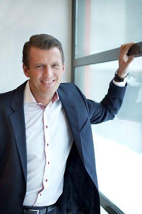 Hotelldirektør Olav Langli forteller at bookingsystemet er viktig for å finne god balanse mellom energiforbruket og gjestenes komfort.