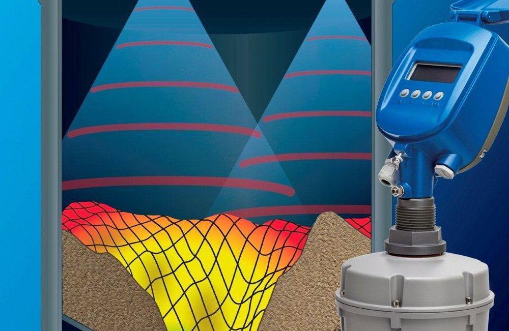 Akustisk nivåmåler som kartlegger konturene av tørrstoff og kalkulerer volumet.