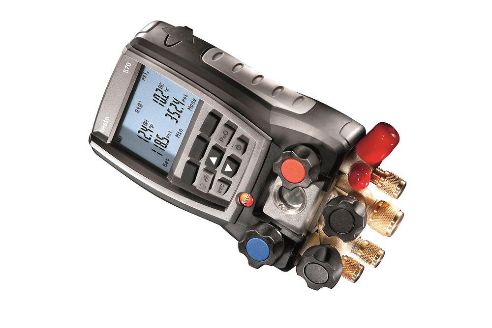 Robust kjøleanalysator som måler trykk, temperatur, vakuum og strøm.