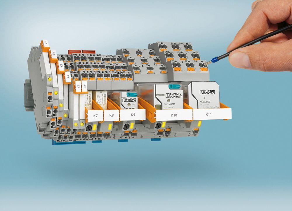 Modulært industrierelesystem, med muligheter for integrerte tidsreleer.