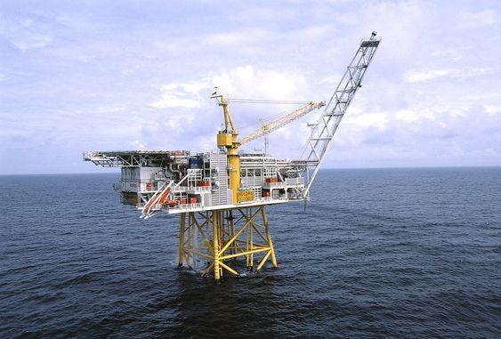 Fiskale gassmålestasjoner offshore var lenge ensbetydende med differansetrykkmålinger (måleblende eller venturi). Nå er både ultralyd og Coriolis i drift (Foto Kjetil Alsvik, Statoil).