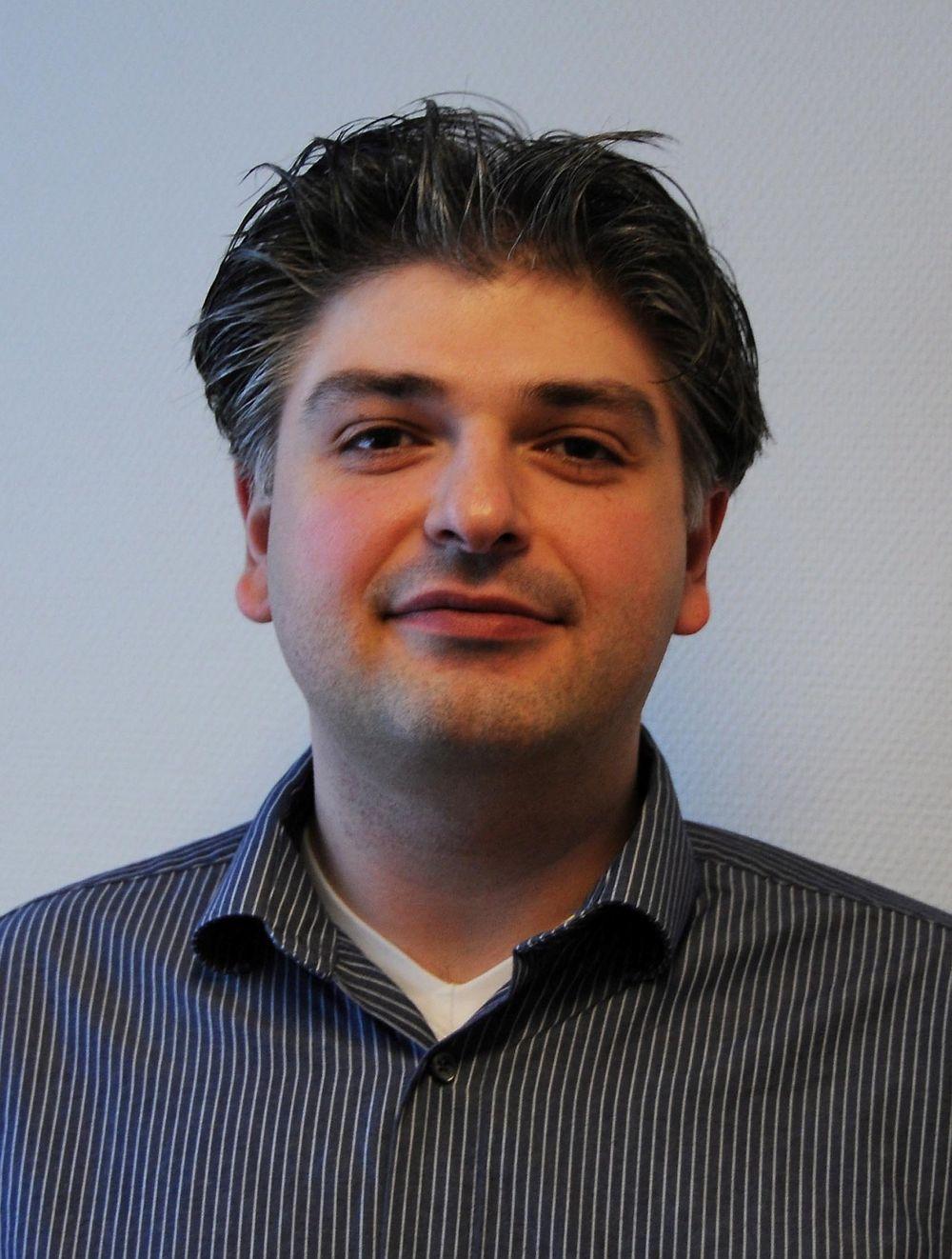 Babak Tabrizi leder Bosch Rexroth Pneumatics i Norge.