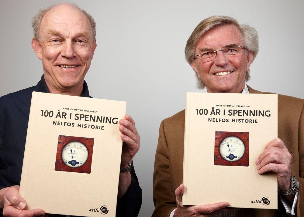 Personene på bildet er fra venstre forfatter av Forfatter Hans Christian Erlandsen (t.v.) med Jostein Skree, administrerende direktør i Nelfo.