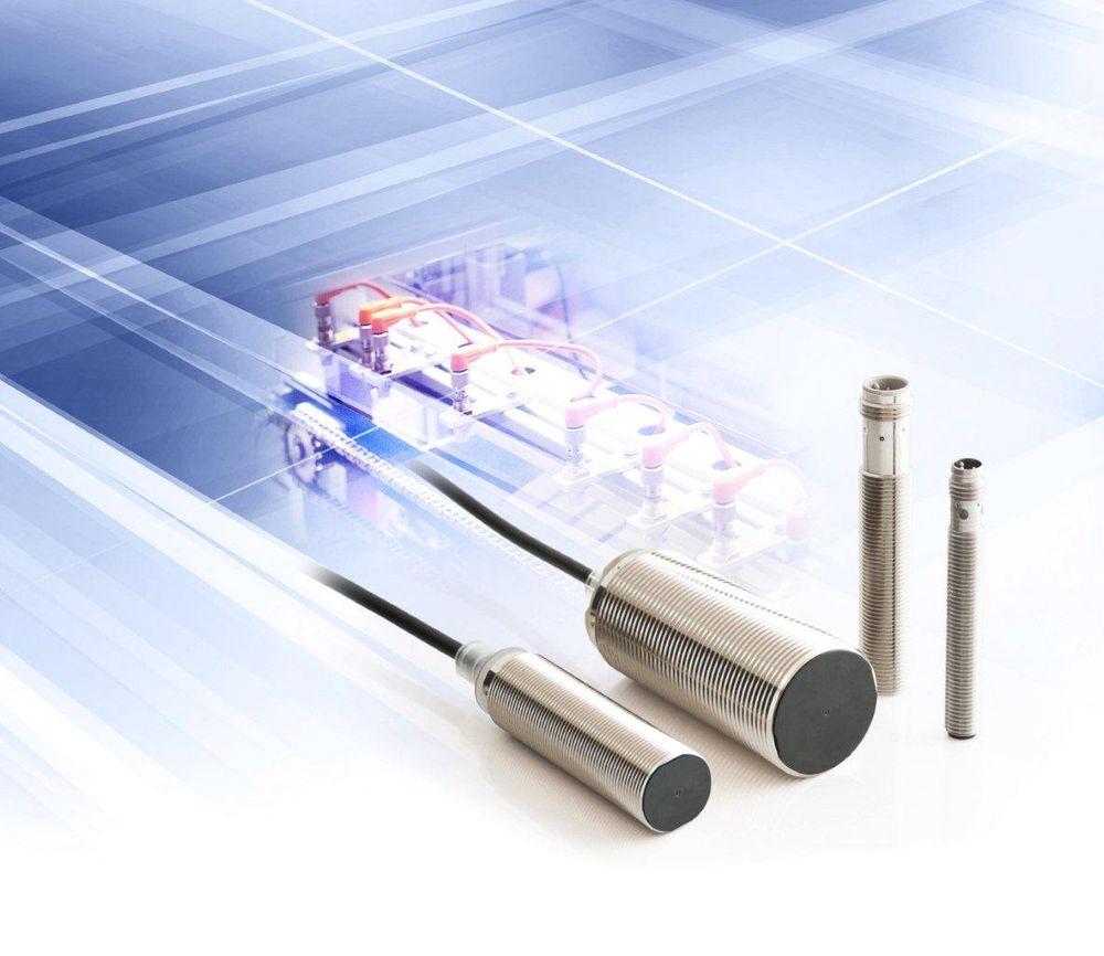 Induktive sensorer som stiller med en rekke tilkoplingsmuligheter.