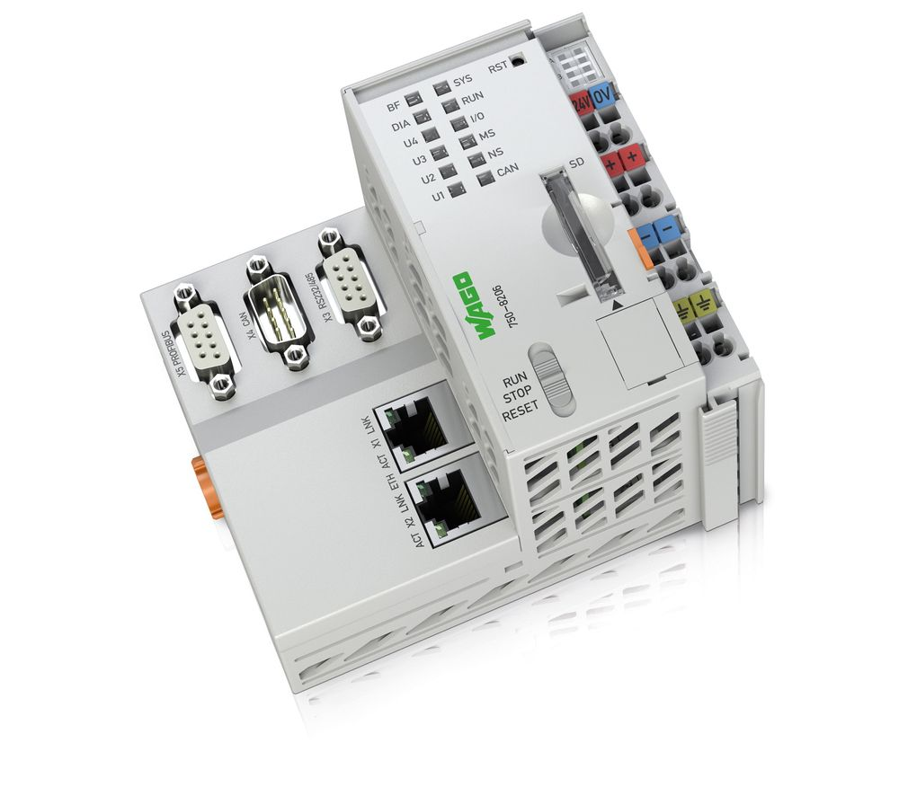 PLS-er som kan programmeres med IEC61131-3 eller C/C++, og byr på flust med kommunikasjonsmuligheter.