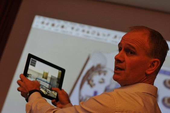 Pierre Schäring i CGM viser hvordan selskapet lager animasjoner i 3D ved design av kontrollromsløsninger.