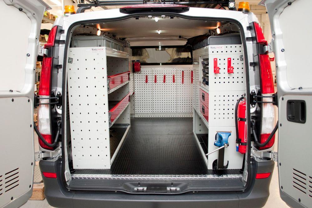 Toolpack lager bilinnredninger som denne for verkstedsbiler, servicebiler og håndverksbiler.