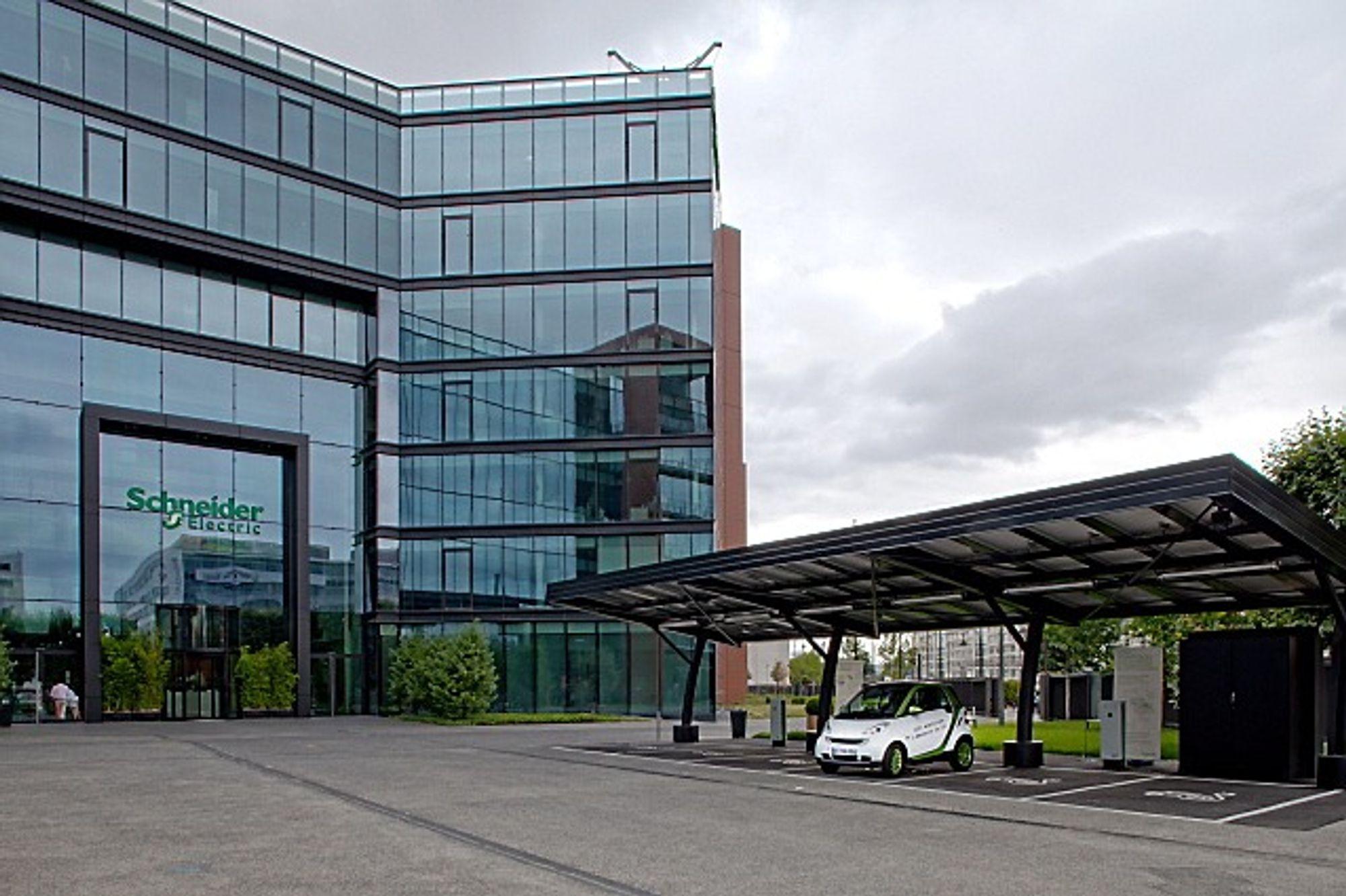 Schneider hovedkontor i Paris, The Hive, skilter med lavt energiforbruk, noe som bidro til å sende selskapet høyt opp på bærekraftrankingen.