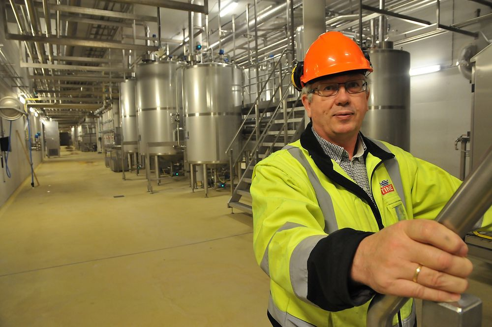 Teknisk sjef i Tine, Torbjørn Kvia, fronter verdens største vaskestasjon for næringsmiddel, som er på Nærbø.