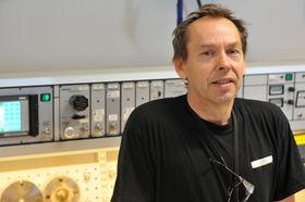 Vidar Klavenes har stått for elektrodelen i den nye mengdemålingsriggen.