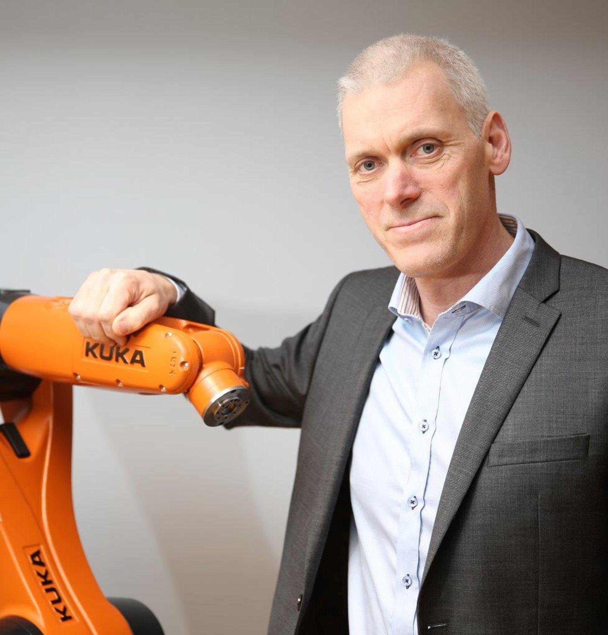 Jonas Glimdén er ny sjef for Kuka-robotene i Norden, inklusiv Norge.