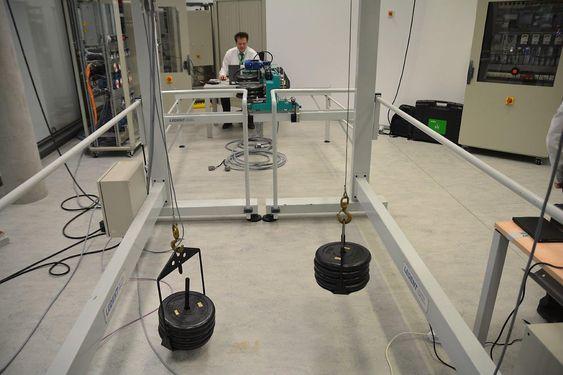 De nye kompaktkontrollerne kan bestykkes med moduler for løsninger som kranstyring. Schneider