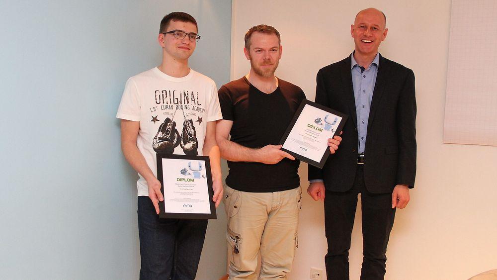 NFAs årsmøte 2015Pris for beste bacheloropgave 2014, fra venstre Bjørnar Preus-Olsen, Helge Nødland og Geir Stuestøl fra FMC Kongsberg Metering som representant for juryen. Audun Hørthe var ikke til stede.