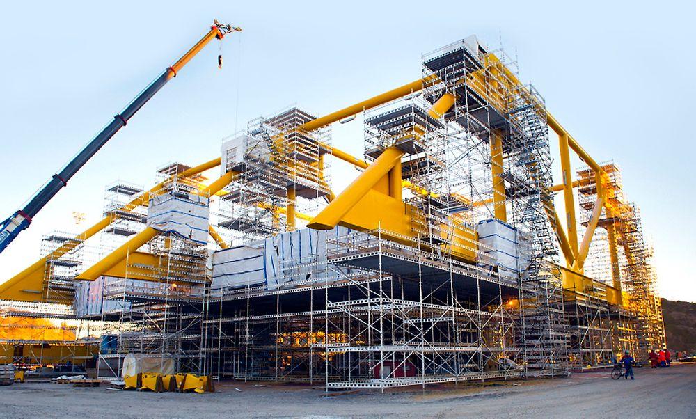 Åsgard gas compression subsea under bygging på Aker Solutions i Egersund. Å redusere kompleksiteten har vært viktig. Likevel endte prosjektet med mer enn 500 jumpere. – Det er etter at vi prøvde å fjerne alt som var unødvendig. Dette er altfor mye, og utgjør massive feilkilder i systemet. Vi må helt klart standardisere for fremtiden, fastslår Egil Dino Hansen.