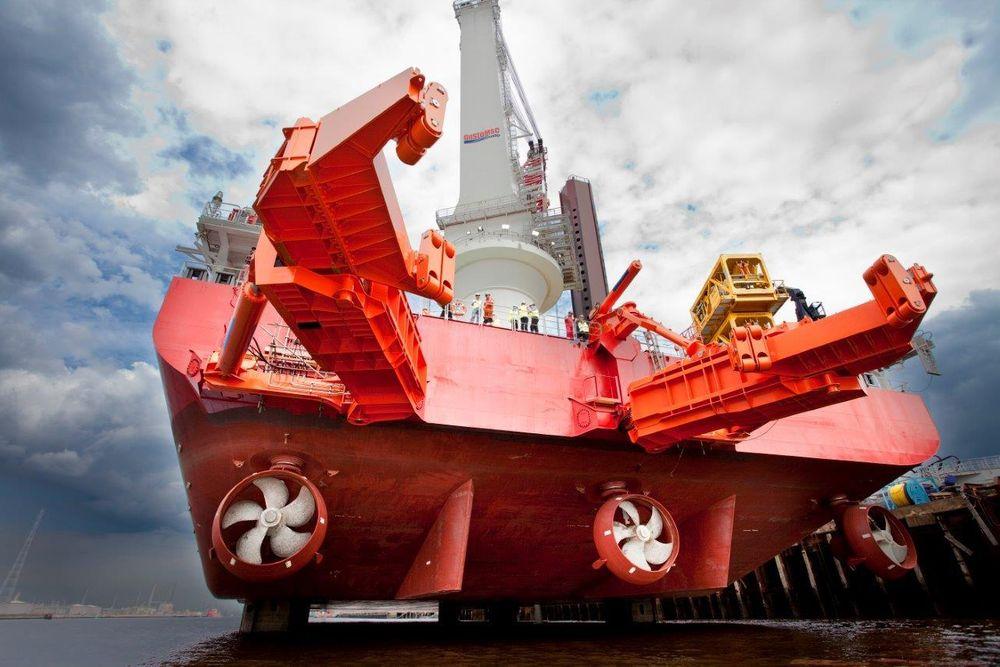 70-tonns gripearmer sørger for skånsom og pålitelig håndtering av fundamentrør på inntil 700 tonn, 75 meters lengde og diameter opptil 7,5 meter.
