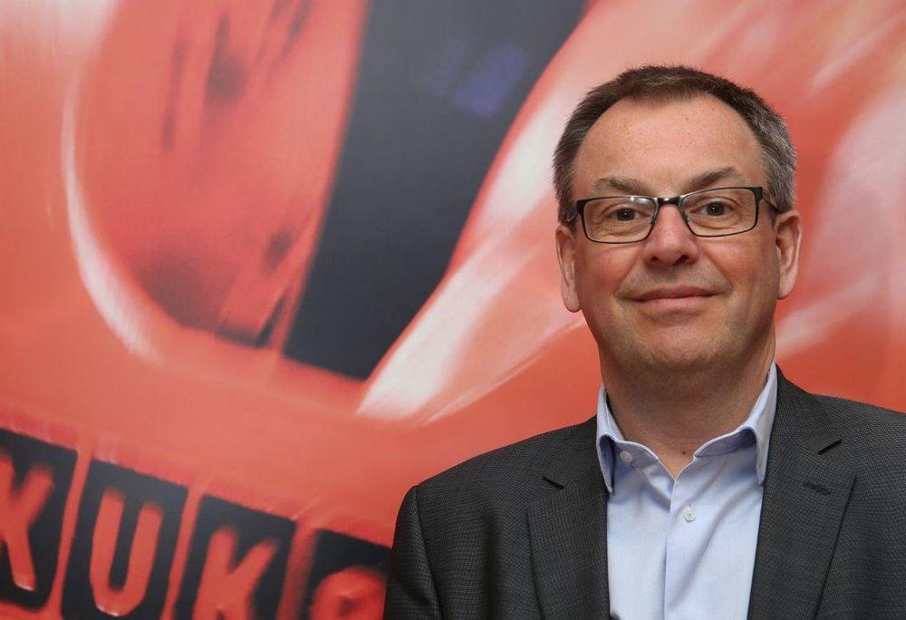 Kuka Nordics nye salgssjef Joachim Lorentsson vil gjøre robotløsninger mer brukervennlige og enklere å få på lufta.