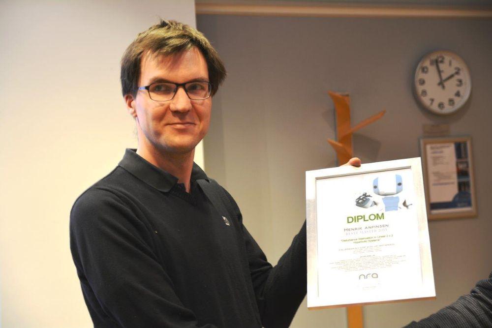 Henrik Anfinsens (NTNU) masteroppgave om eliminering av trykkoscillasjoner i boreoperasjoner vant NFA-pris.