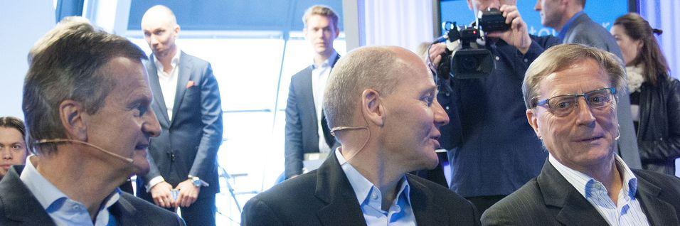 Tidligere konsernsjef i Telenor, Jon Fredrik Baksaas, Nåværende konsernsjef Sigve Brekke og tidligere styreleder Svein Aaser fotografert den dagen Brekke ble kunngjort som ny konsernsjef. Nå slipper de å møte til høring i Stortinget før om seks måneder, etter ønske fra Økokrim.