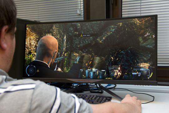 For film eller spilling kan en bredskjerm med WFHD-oppløsning være godt nok.