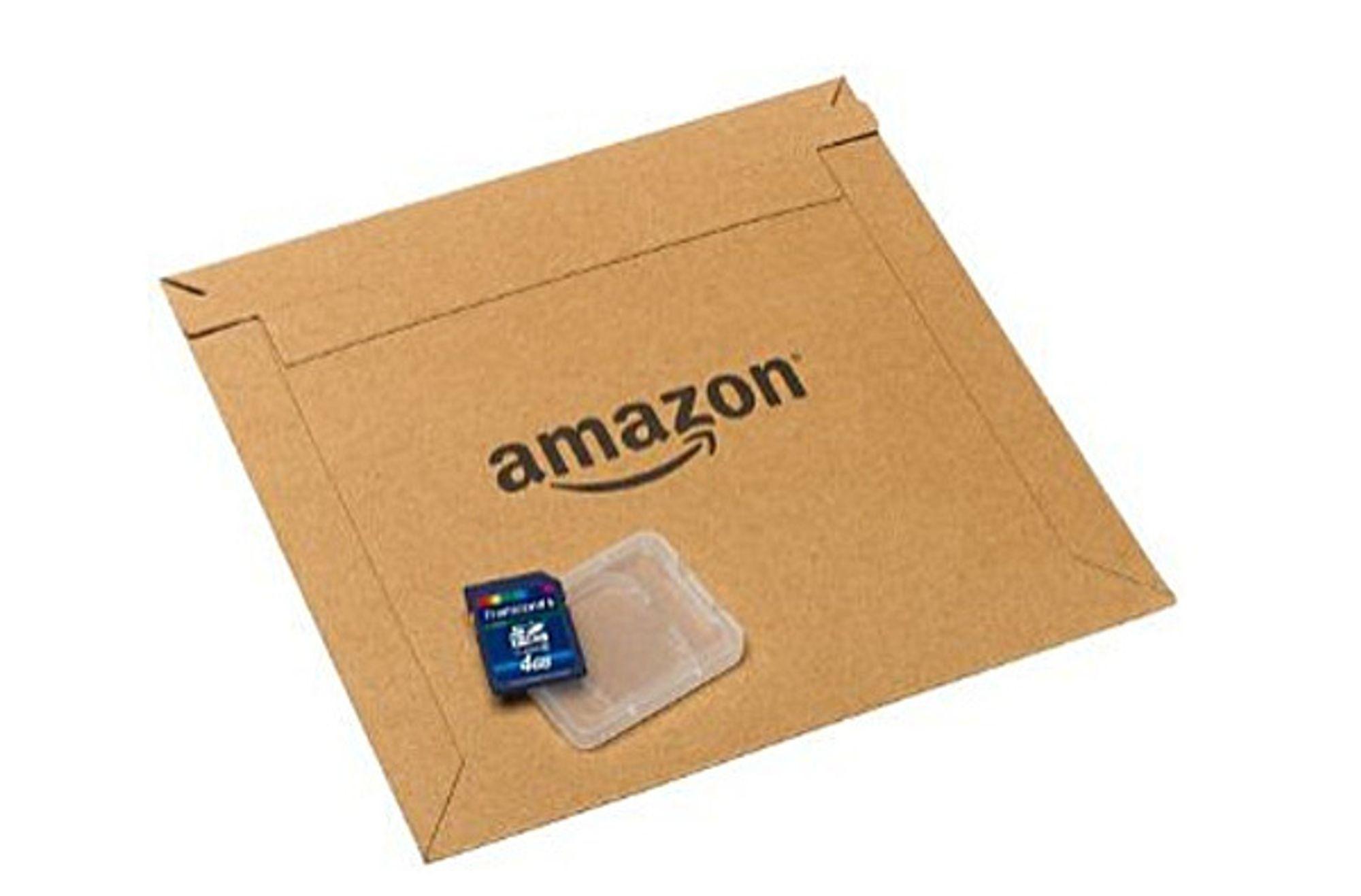 """Amazon vil nå sende minnekort og en del andre produkter i pappkonvolutter, som en del av """"Frustration-free packaging""""-programmet."""