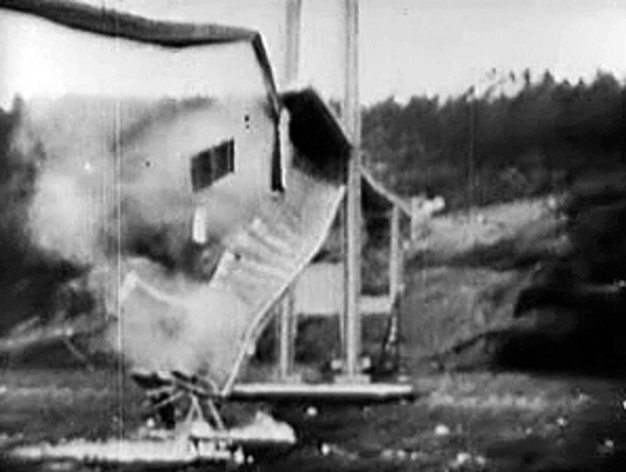 ET STYKKE HISTORIE: Kollapsen av Tacoma Narrows Bridge står i dag som et av de viktigste eksemplene på det dynamisk aeroelastiske fenomenet flutter.