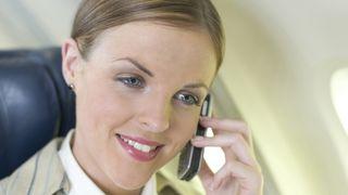 Flyselskap avgjør mobilbruk i fly