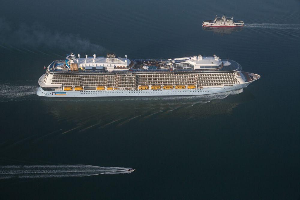 Anthem of the Seas på vei inn til Southampton, der cruisesongen i dag åpner med Middelhavscruise.