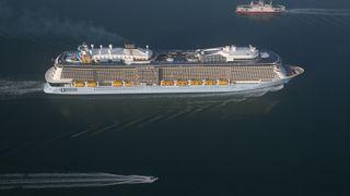 Som en norsk småby: Ett av verdens største cruiseskip er satt i trafikk