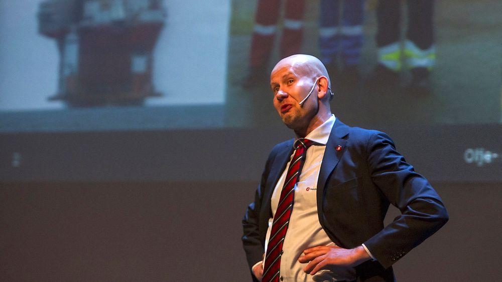 Olje- og energiminister Tord Lien (Frp) vil støtte opp om en ilandføring av oljen i Johan Castberg-feltet fordi det gir mest ringvirkninger av en eventuell utbygging av feltet i Barentshavet. Norge innleder nå forhandlinger om hvilke muligheter det er for å bedre økonomien for selskapene som har satt utbyggingen på vent.