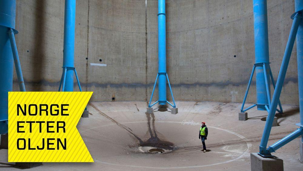 Fylt med kloakk. I denne 24 meter høye betongsiloen på over 30 meter i diameter, flyter det nå 17 millioner liter kloakkslam. Denne ansatte fra Pizzagalli Construction, som deltok i fornyingen av vannrenseanlegget i Washington, kom seg forhåpentlig ut i tide.