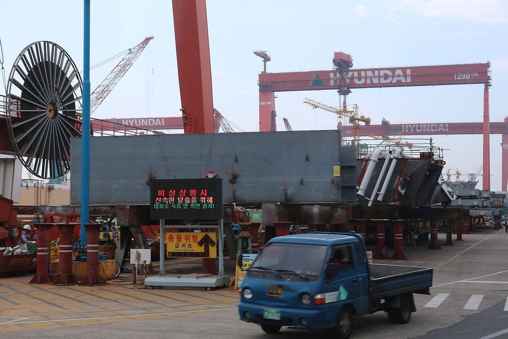 Her, på Hyundai Heavy Industries i Sør-Korea, omkom tre arbeidere på Goliat. Nå har Statoils Aasta Hansteen-prosjekt hatt sin første alvorlige HMS-hendelse.