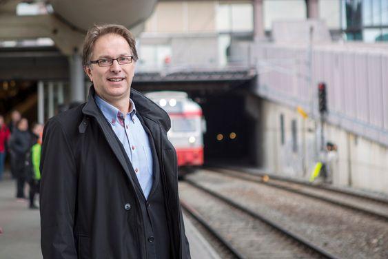 Gunnar Løvås, assisterende Jernbanedirektør i Jernbaneverket