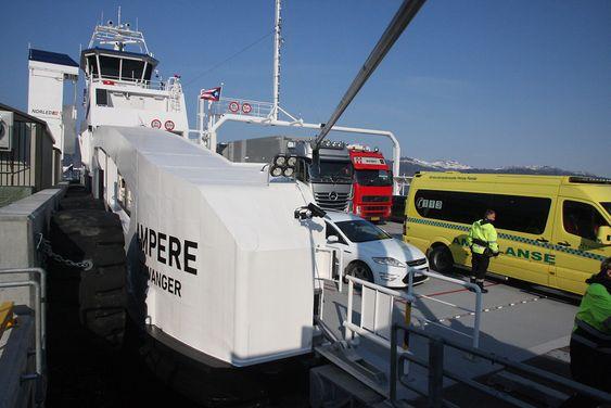 Ampere har plass til 120 biler og 360 passasjerer.