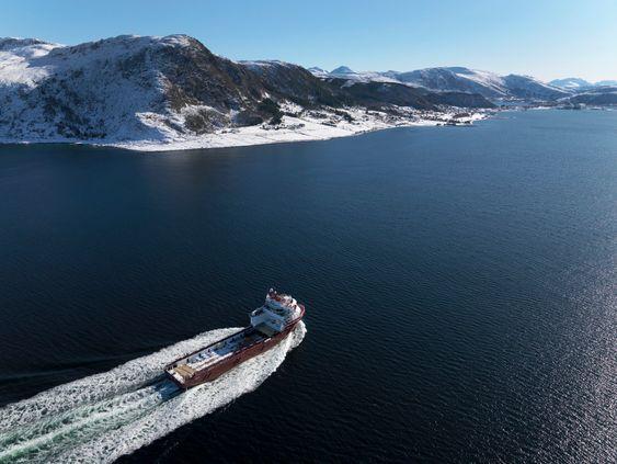 Likestrøm: Myklebusthaug Offshores Dina Star har fått ned drivstofforbruket med likestrømsbasert diesel-elektrisk anlegg om bord (Onboard DC Grid).